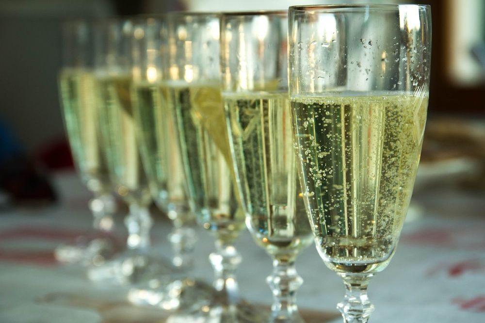 De meest gesmaakte alcoholvrije wijnen bij sommeliers en vinologe