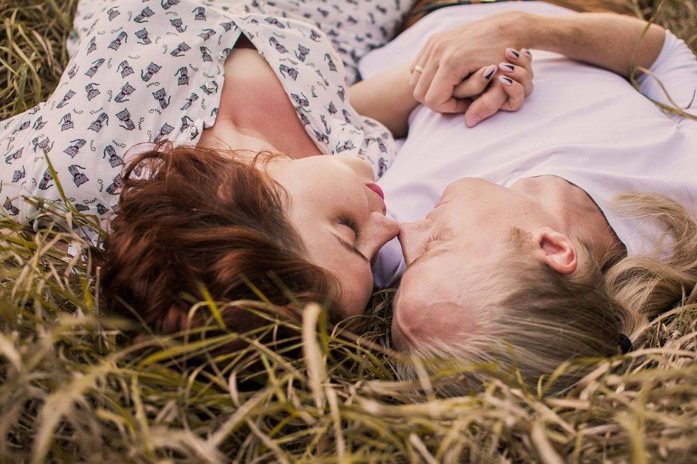Met deze tips geef je je liefdesrelatie weer een boost